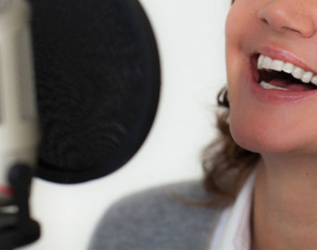Singen im Gesangsstudio